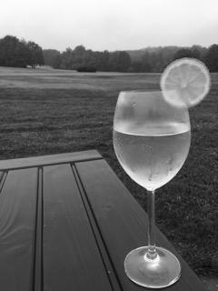 Leckere Drinks für Golfer mit Kräuterlikör, Kräutern und Bitter